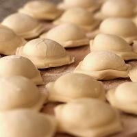 Пельменница: готовим домашние пельмени быстро и вкусно