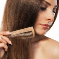 Расчески для волос: их типы, разновидности и отличия