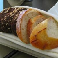 Какой хлеб лучше и полезнее: черный или белый?
